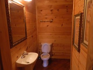Pigeon Forge cabin photo - Lower Level Bath 2