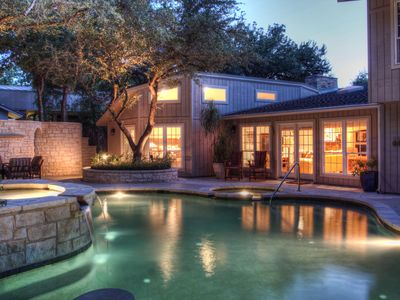 Austin house rental - Backyard sanctuary