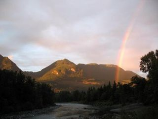 Gold Bar cabin photo - Plenty of rainbows to be found!