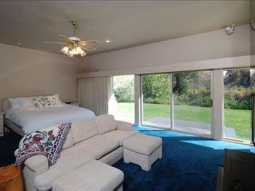 MasterSuite with River View, Couch and Stools to relax without the mob