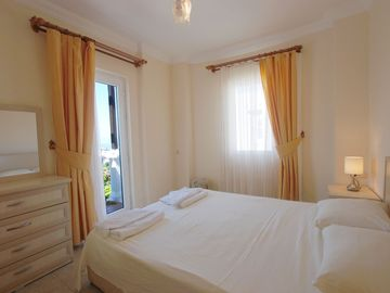 Well furnished rooms with air con throughout