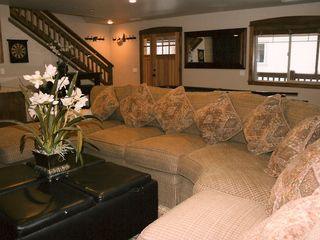 Mammoth Lakes townhome photo - Downstairs-oversized goose down couch seats 8