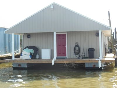 Houseboat For Rent in Venice Marina(Rooster Den)