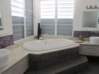 Providenciales - Provo house photo - Master Bath
