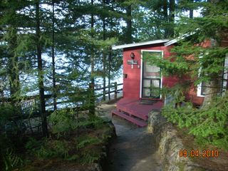 Lakefront northwoods wisconsin cottage on prime fishing for Fishing cabin rentals wisconsin