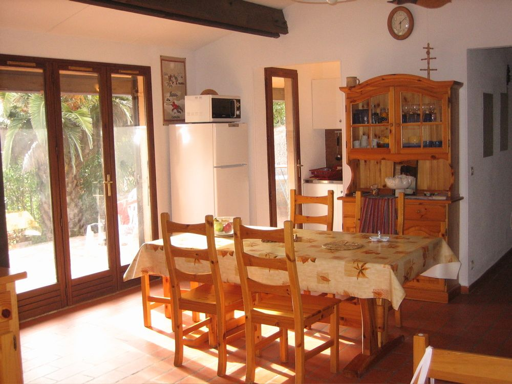 Air-conditioned accommodation, 70 square meters , Saint-guillaume