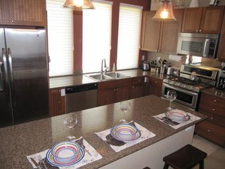 Fraser townhome photo - Kitchen counter has extra seating for 3 people