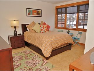 Steamboat Springs townhome photo - Bedroom 2 - Queen, TV