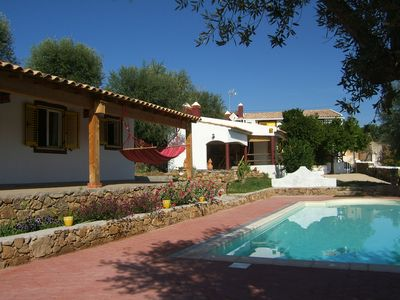 Comfortable villa with stunning views, well located, quiet 6/8 people, swimming pool.