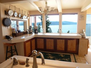Sandpoint house photo - Enjoy eating breakfast while watching the eagles eat theirs