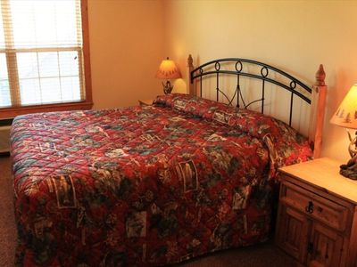 Branson West lodge rental - King-size bed in Master Suite.