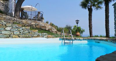 Villa Elisa - Panoramic sea view with a big garden and swimming pool