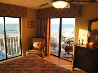 Indian Rocks Beach condo photo - Gorgeous full width and double view from mb penthouse HDTV