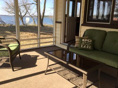 Quaint Cozy Cabin On Crystal Clear Devils Lake, Family Friendly.