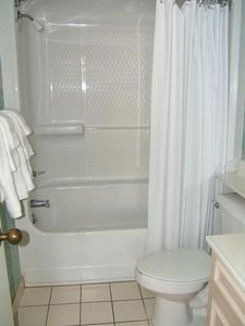 The Dunes condo rental - Master Bathroom