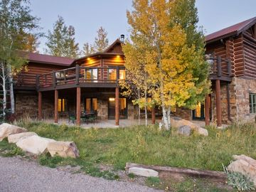 Glenwood Springs house rental - Enjoy 3 outdoor relaxation options; the deck, lower patio & covered upper patio