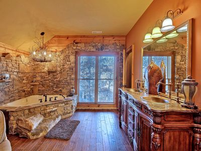 Hiawassee chalet rental - Upstairs private Jacuzzi