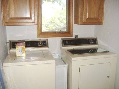 Bella Vista house rental - Laundry room