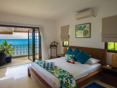 Glacis: Beach-front self-catering Apartment
