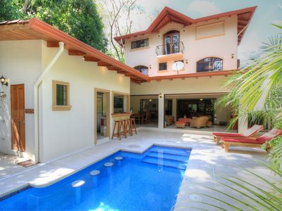 Luxurious Barefoot Villa, K Section, Short Walk to Guiones Beach & Bodhi Yoga