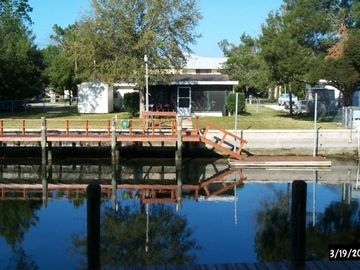 Crystal River house rental - Dock and Back Yard
