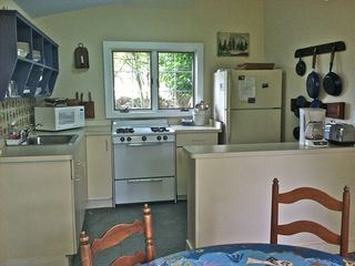 Block Island cottage photo - eat in kitchen, seating for 4