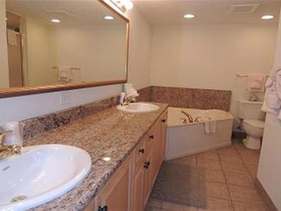 Master bath with double vanity and Garden tub!