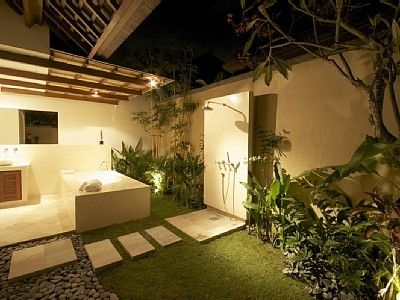 Private master en suite garden bathroom