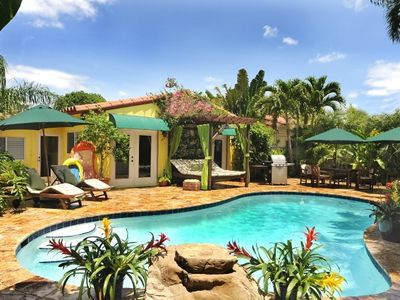Fort Lauderdale villa rental - Pool Deck with Lounge Chairs, Outdoor Bed & Dining