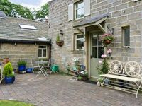 OAKLANDS COTTAGE, luxury holiday cottage in Wycoller, Ref 17593