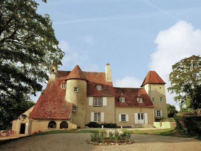 Charming and private castle on four hectares, with river, sun terrace and views