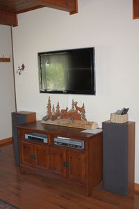 Al Tahoe cabin rental - Wonderful Big Screen HDTV, Stereo, DVD, Video Player, CD Player!