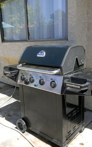 BBQ grill with side burner