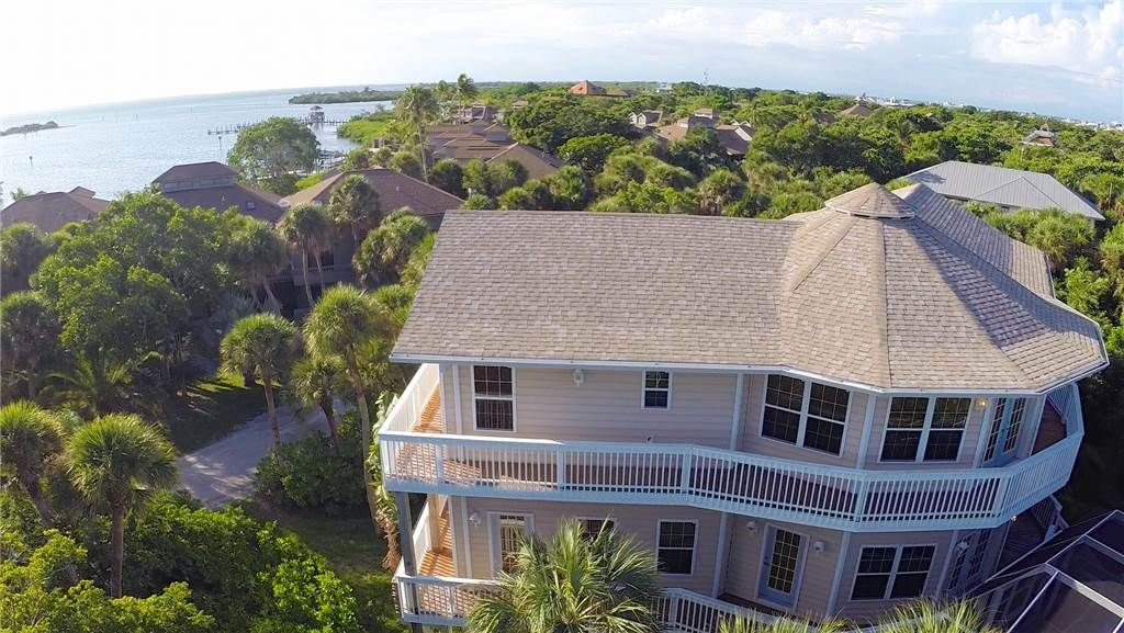 Fantastic 4000 square foot luxury home homeaway north for 4000 square foot homes