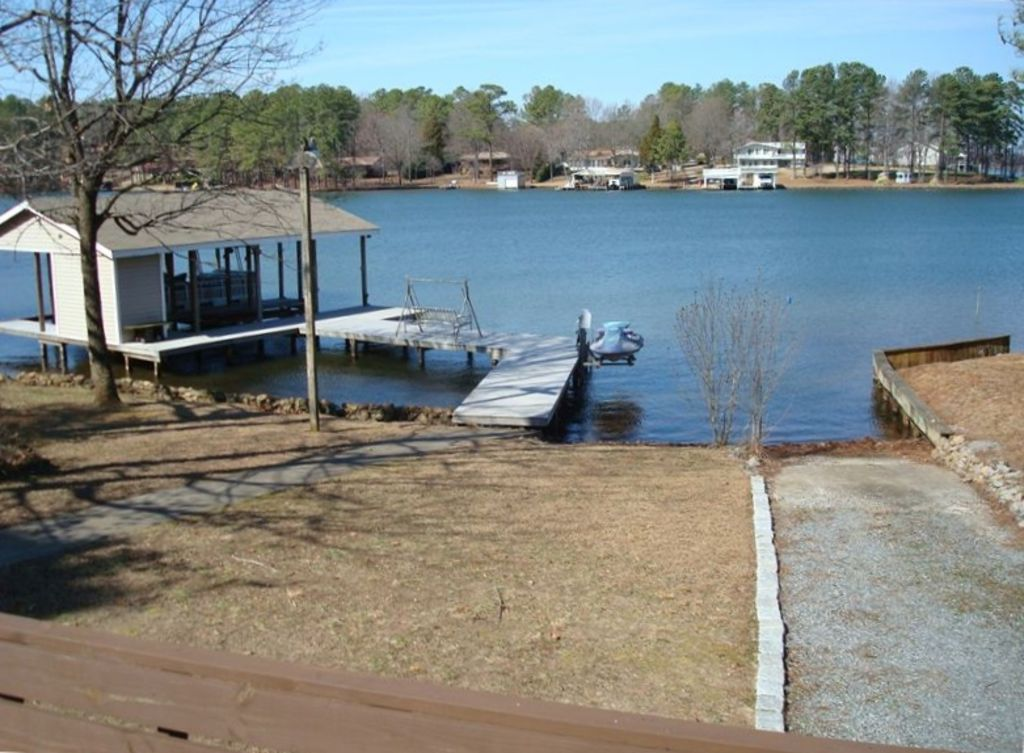 Lake gaston swim ski fish relax vrbo for Lake gaston fishing report