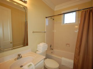 Fort Morgan property rental photo - This guest bath serves two Qn bedrooms not shown, one traditional and one open.