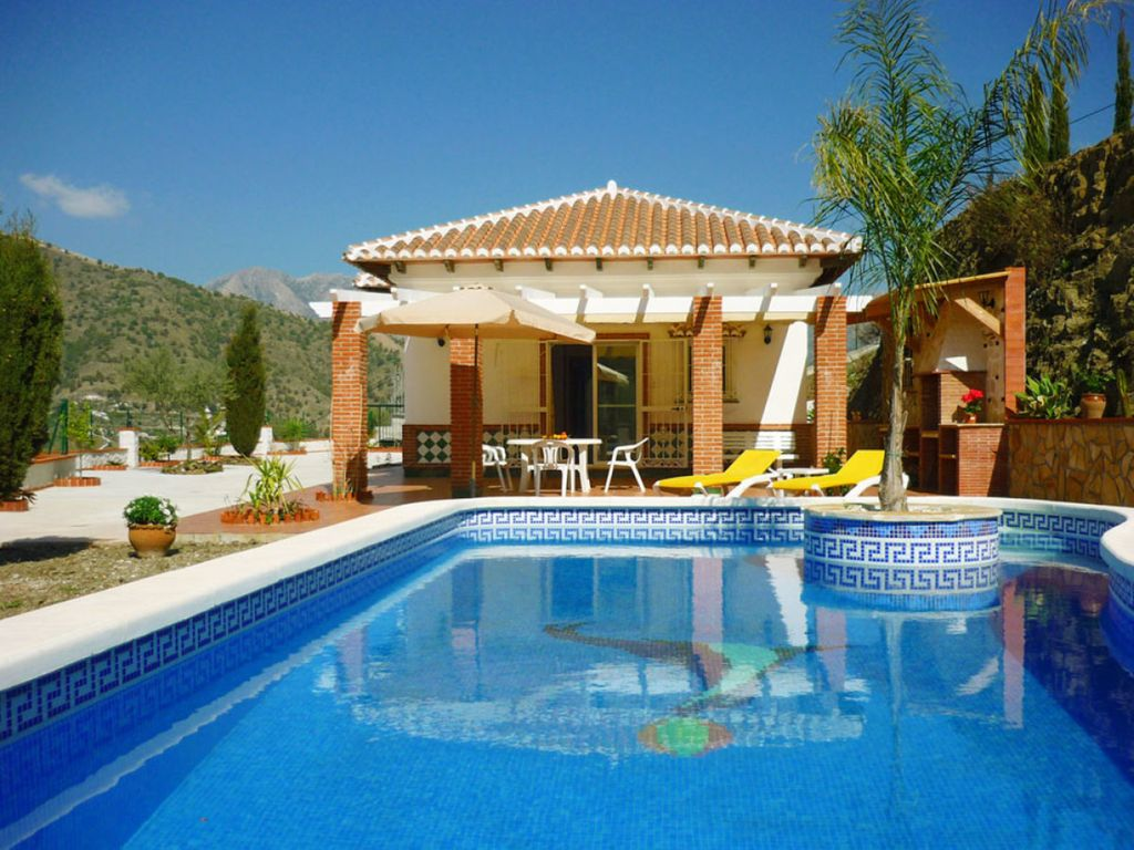Dream home at a great price idyllic location pool for Dream home location