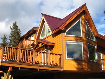 Seward chalet rental - The South facing Eagles Aerie- 2nd floor accommodations, a loft and three decks