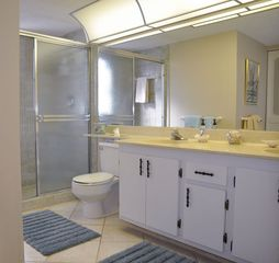 Fort Myers Beach condo photo - Master Bath