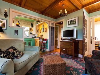 Santa Cruz cottage photo - WiFi Internet,Cable TV, large selection of DVDS, Twin sofa sleeper