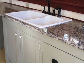 Sleek Granite Counters- A Delight Of Any Cook