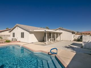 Swimming Pool Vacation Rental Home Fort Mo Vrbo