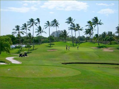 Ko Olina's Ted Robinson Golf Course- right across the street!