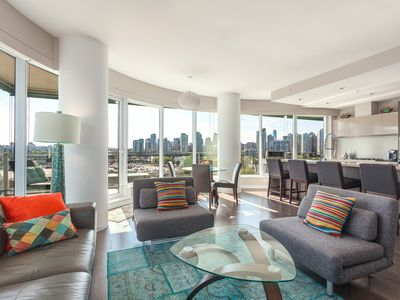New 2 Bed 2 Bath +Office Luxury Condo - Wrap Around Balcony - Stunning City View