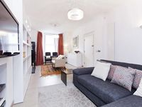 Bright and breezy townhouse in Fulham