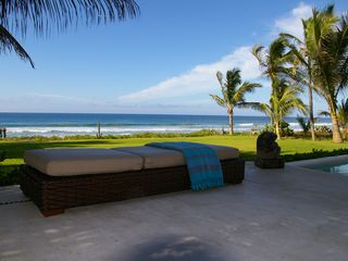 Puerto Escondido villa photo - Lounge by the pool with a spectacular view of the ocean
