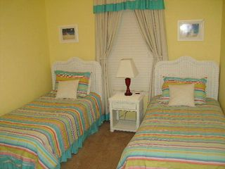 Gulf Shores condo photo - Guest Bedroom - 2 twin beds