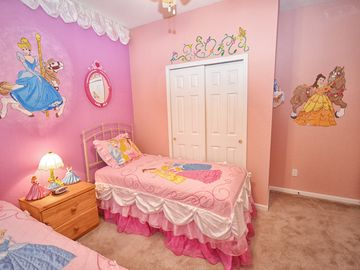 Disney Princess Twin room (view 2)