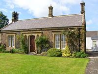 EMBLETON COTTAGE, family friendly, with a garden in Embleton, Ref 562