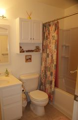 Lancaster townhome photo - Second Bathroom